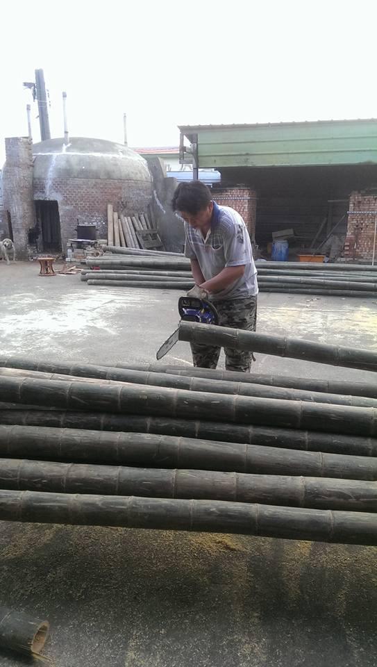 附圖一:陳慶豐先生與巨竹
